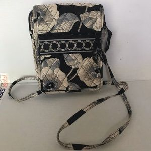 Cross body bag. Vera Bradley